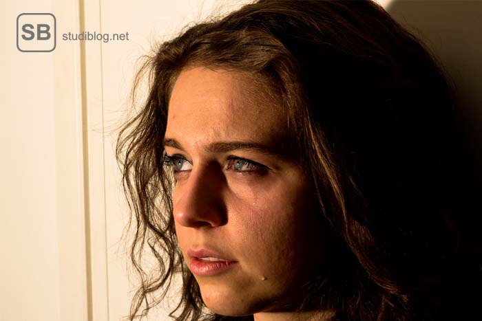 Frau mit Tränen im Gesicht