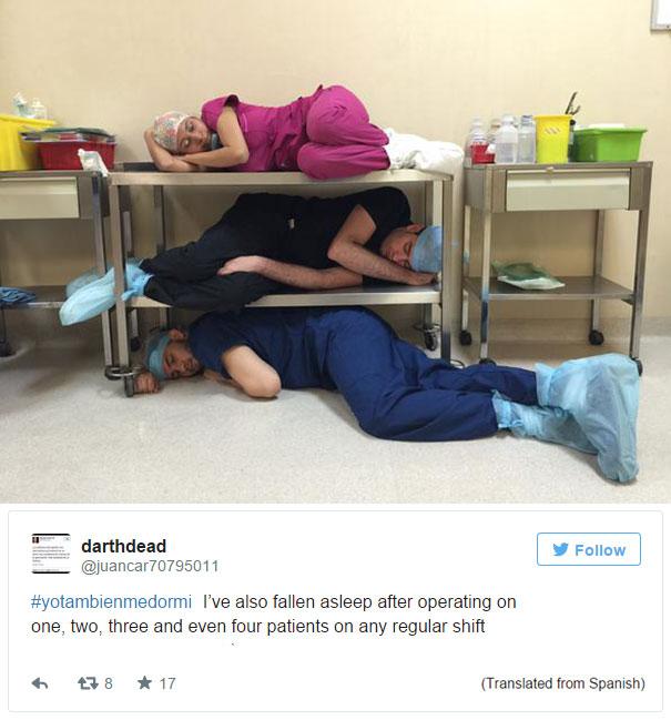 medical-resident-sleeping-overworked-doctors-mexico-yo-tambien-mi-dormi-27
