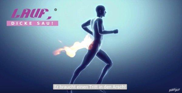 Bild zum Artikel Lauf dicke Sau mit laufender Person deren Hintern brennt