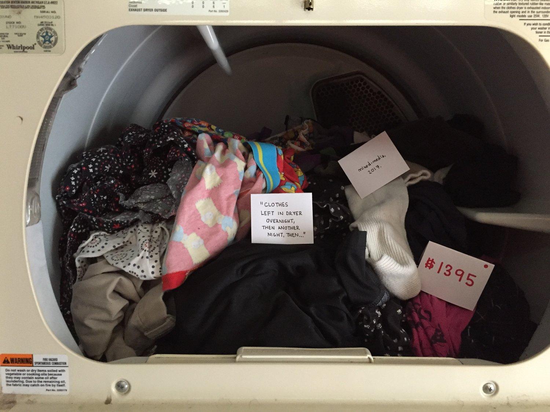 Passiv-aggressive Kunst: Die Wäsche im Trockner