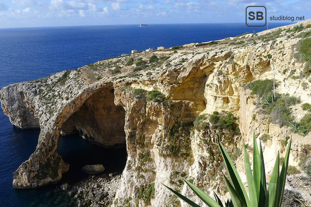 Maltesische Küste, Gozo mit Felsenformationen