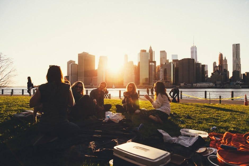 Unvernünftig sein: Picknick mit Freunden