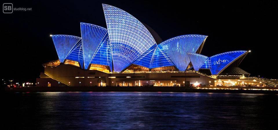 Auslandssemester in Australien: Opernhaus in Sydney bei Nacht
