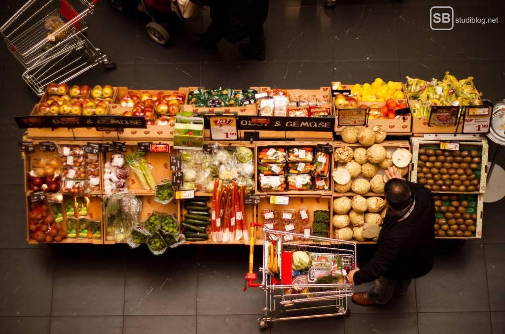 Kunden im Supermarkt