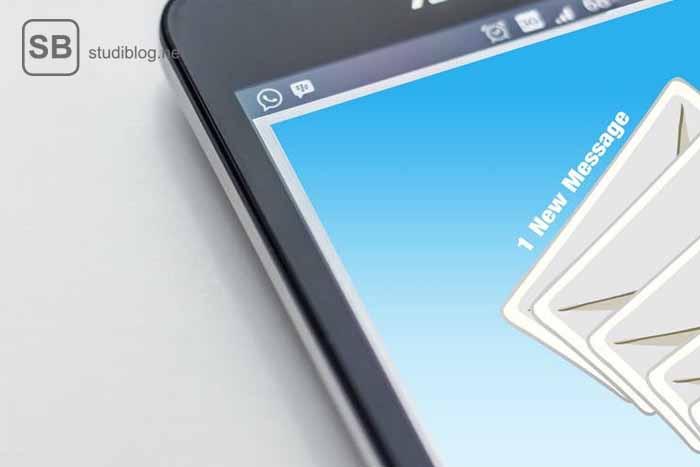 Ein Handy mit einer neuen Nachricht als Beispiel für Orbiting