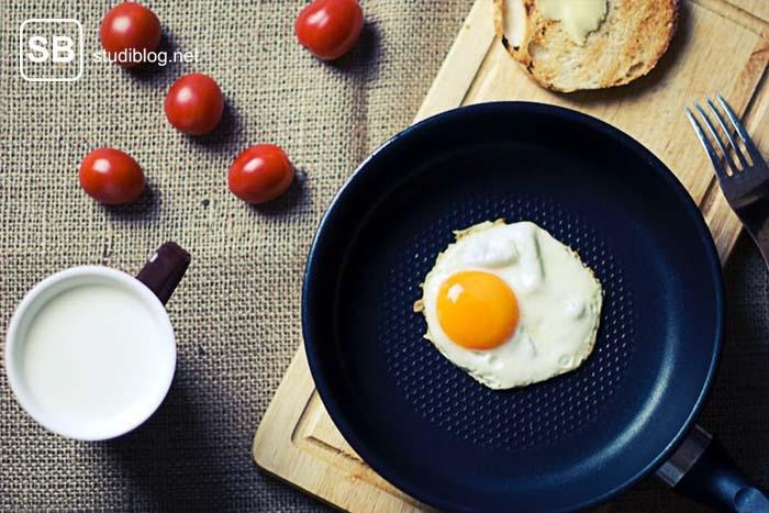 Eier in einer Pfanne